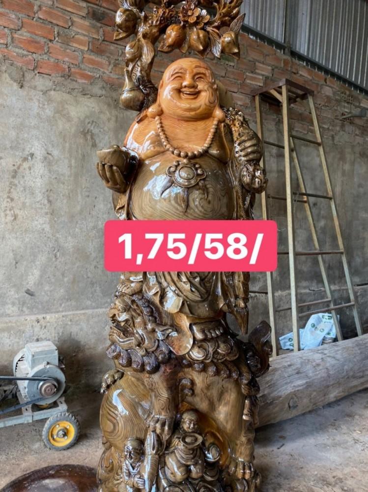Tượng di lặc đứng lân 1m72 rộng 57cm hàng đục kĩ kênh bong gỗ thủy tùng đa sắc