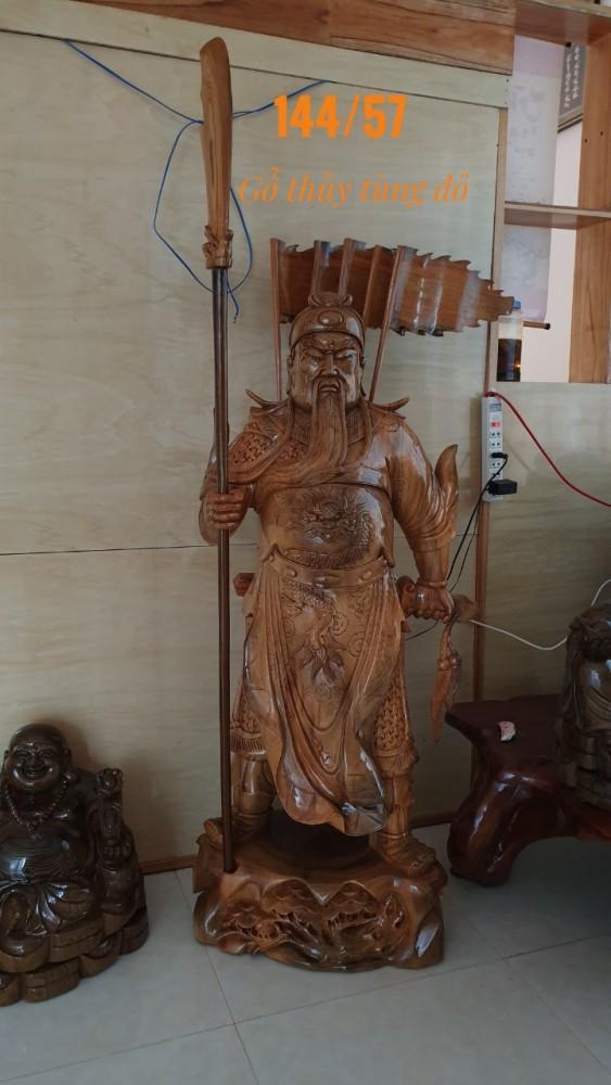 Tượng quan vân trường gỗ thủy tùng đỏ