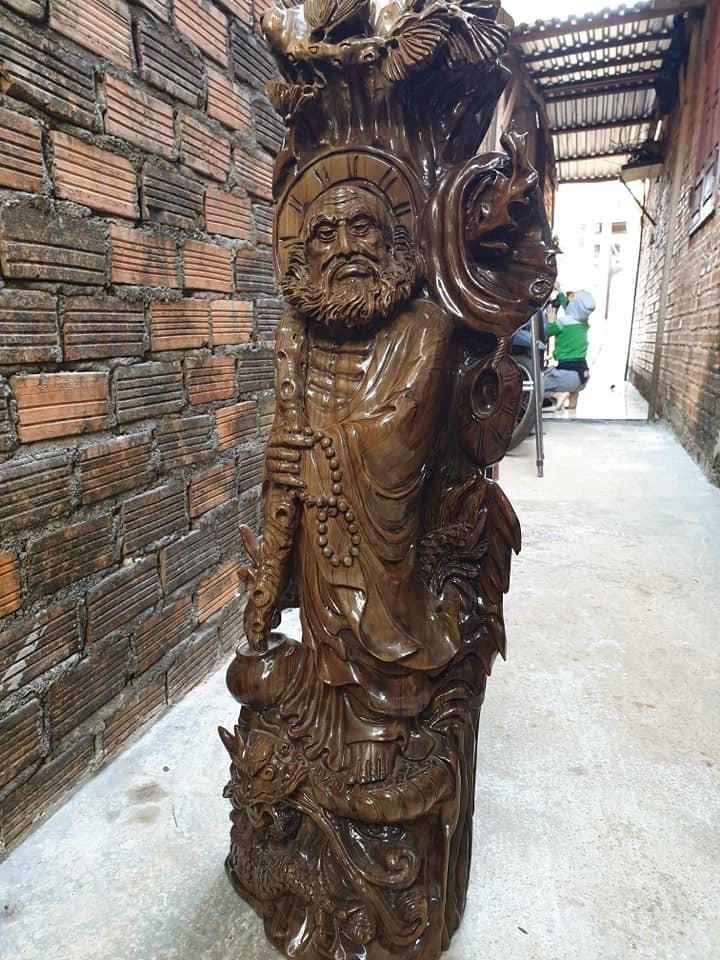Tượng sư tổ đạt ma gỗ thủy tùng xanh